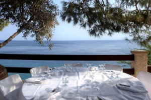 Rooms Photos, Cokkinis hotel Kineta Attica Restaurant beach rooms